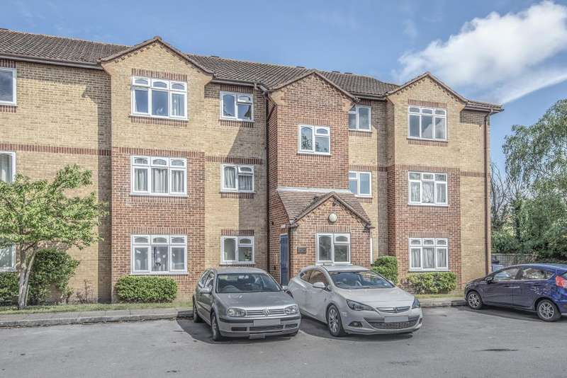 Studio Flat for sale in Corfe Place, Maidenhead, SL6