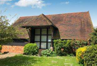 5 Bedrooms Barn Conversion Character Property for sale in The Barn, Throwley, Faversham, Kent