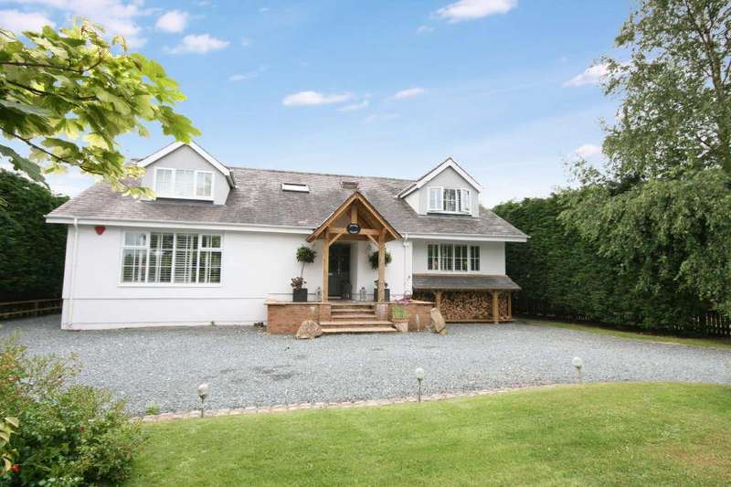 5 Bedrooms Detached House for sale in Division Lane, St Annes