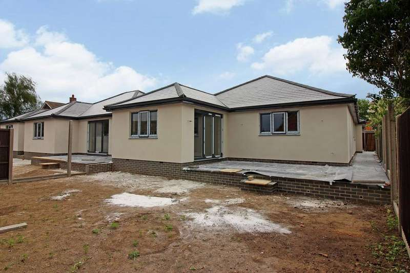 3 Bedrooms Detached Bungalow for sale in 169 Clifton Road, Shefford, SG17