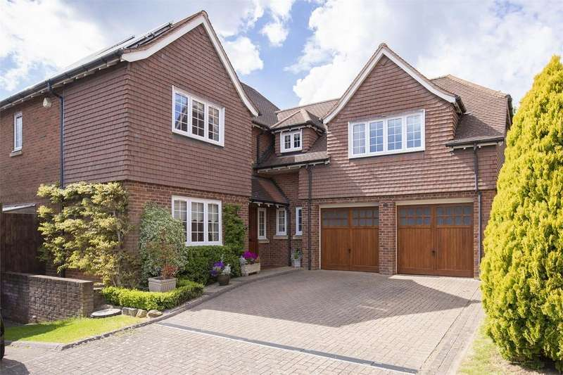 5 Bedrooms Detached House for sale in Horseshoe Drive, 'Staunton's Hill', Over, GLOUCESTER