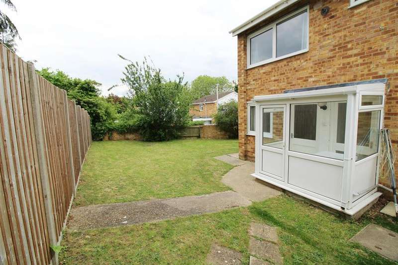 3 Bedrooms Semi Detached House for sale in Caversham Park Village, Caversham, Reading