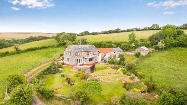 3 Bedrooms Detached House for sale in Lanreath, Looe, Cornwall