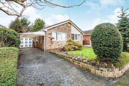 2 Bedrooms Bungalow for sale in Upwood Road, Lowton, Warrington, Cheshire