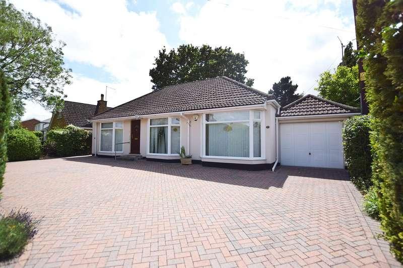 3 Bedrooms Detached Bungalow for sale in Watmore Lane, Winnersh, Wokingham, Berkshire, RG41