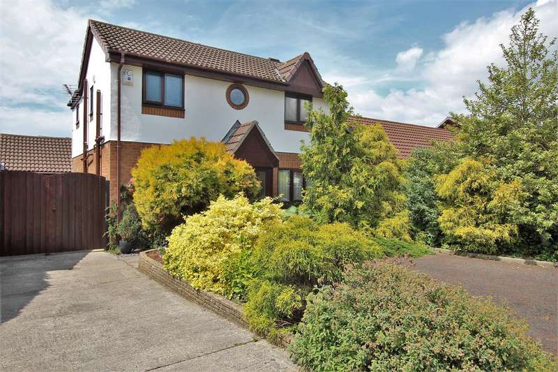 3 Bedrooms Detached House for sale in High Gale Gardens, Lostock Hall, Preston