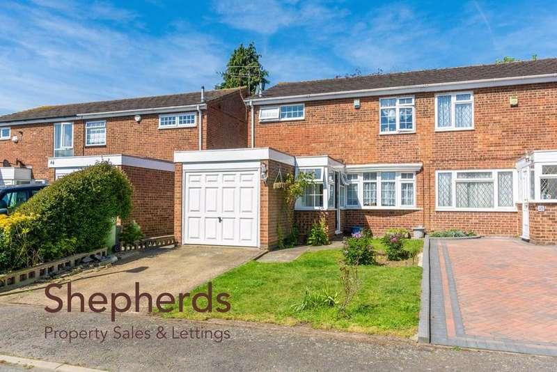3 Bedrooms Semi Detached House for sale in Silverfield, Broxbourne, Hertfordshire, EN10