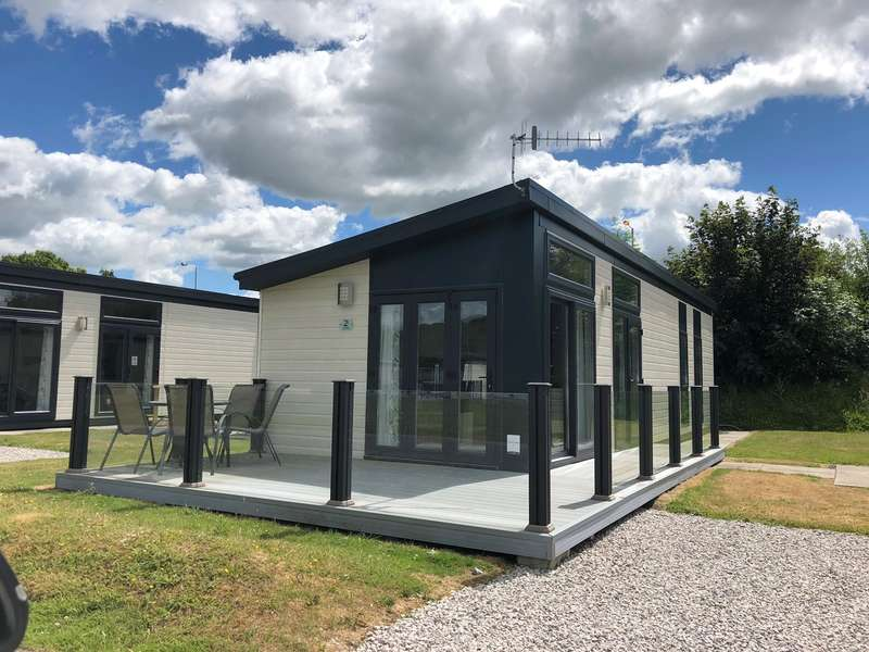2 Bedrooms Park Home Mobile Home for sale in South Lakeland Leisure Village, Borwick Lane, Carnforth, LA6