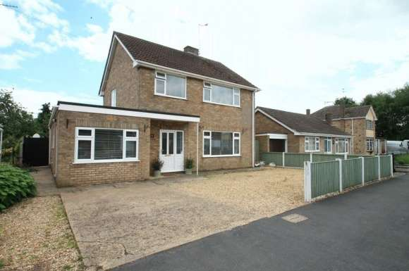 3 Bedrooms Detached House for sale in Cathedral Drive, Spalding