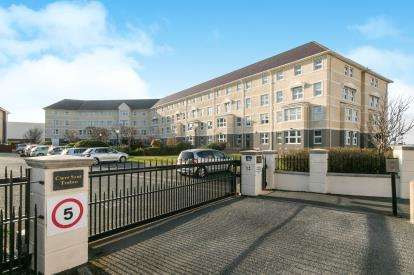 2 Bedrooms Retirement Property for sale in Cwrt Sant Tudno, Clarence Road, Llandudno, Conwy, LL30