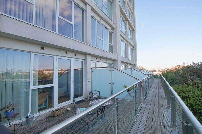 1 Bedroom Apartment Flat for sale in Skypark Road, Bristol, BS3 3NG