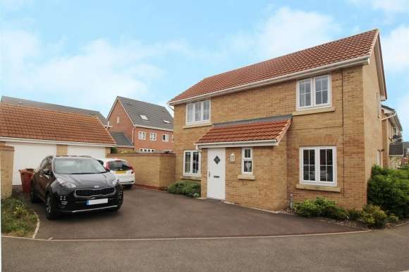 3 Bedrooms Semi Detached House for sale in Coles Way, Grantham