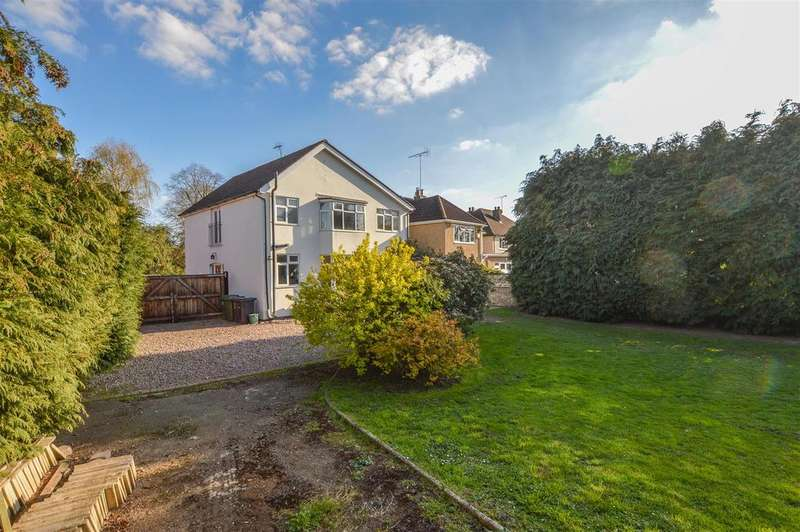 4 Bedrooms Detached House for sale in Sleapcross Gardens, Smallford, St. Albans, AL4