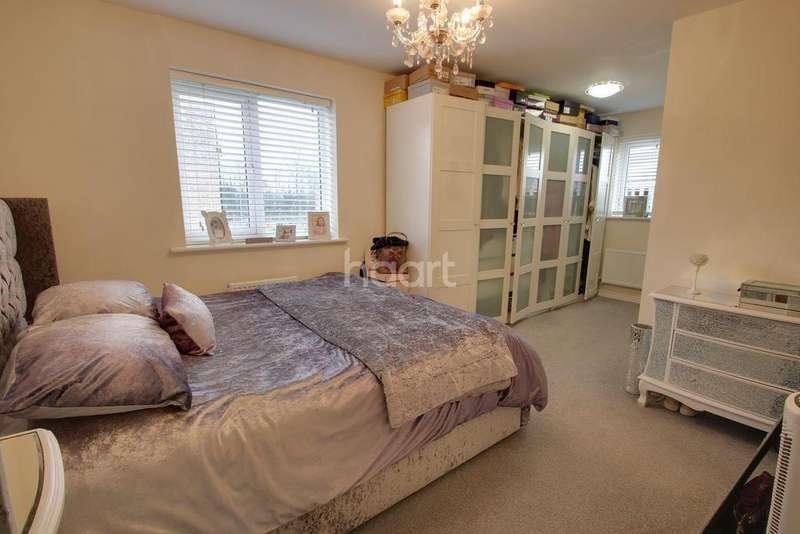 3 Bedrooms Detached House for sale in Steeplechase Road, Duffryn, Newport