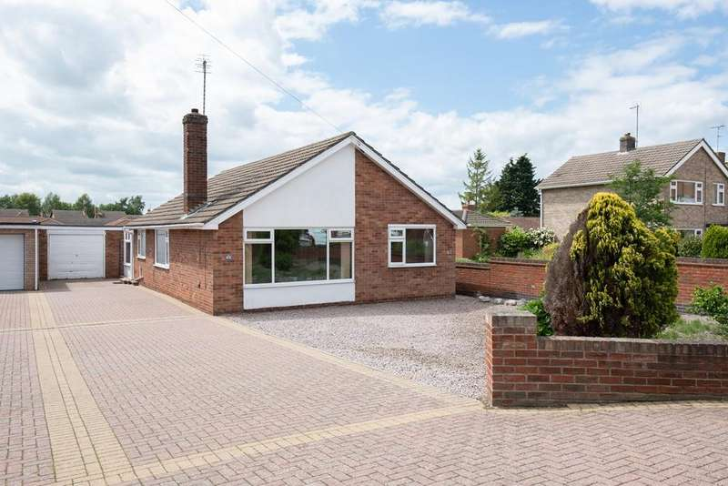 3 Bedrooms Detached Bungalow for sale in Hawthorn Bank, Spalding, PE11