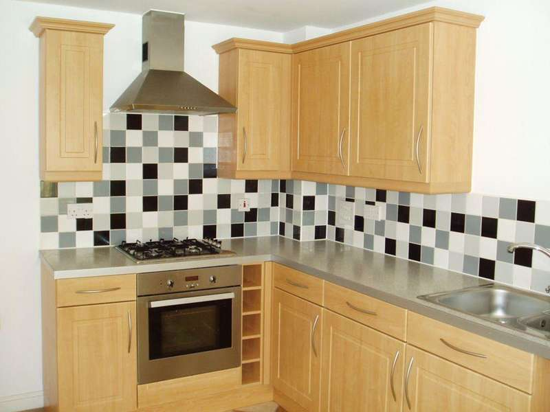 3 Bedrooms Terraced House for rent in DRAGON WAY, PENALLTA, CF82 6GT