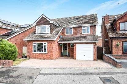 5 Bedrooms Detached House for sale in Bournemouth, Bearwood, Dorset