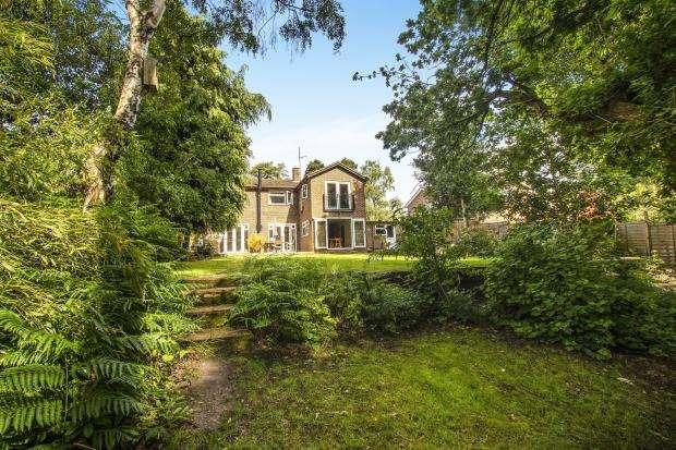 4 Bedrooms Detached House for sale in Bracknell, Berkshire, .
