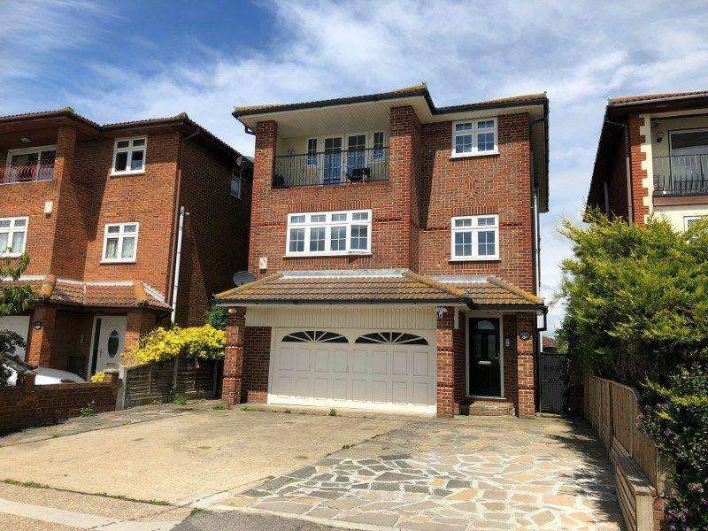 5 Bedrooms Detached House for sale in Western Esplanade, Canvey Island, Essex
