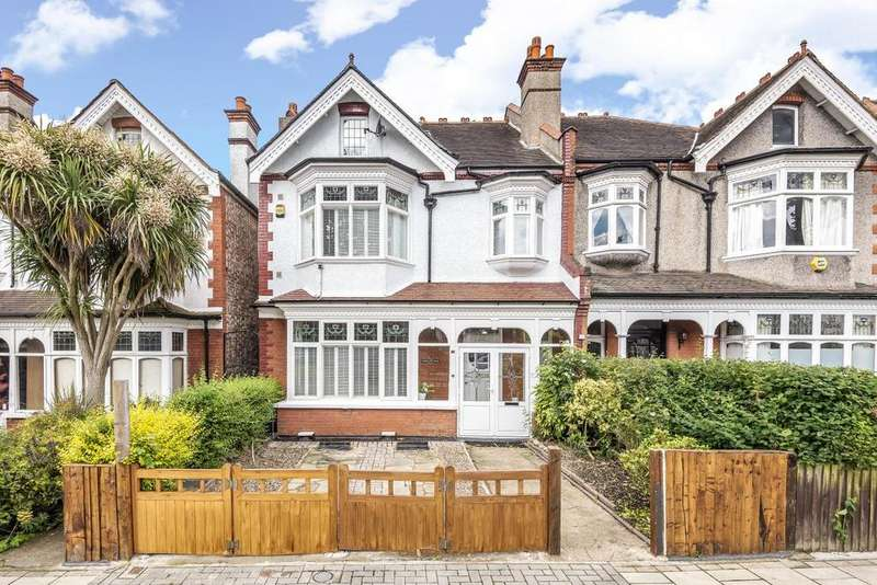 4 Bedrooms Semi Detached House for sale in Copley Park, Streatham