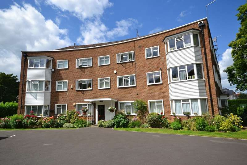 3 Bedrooms House for sale in Westlands Court, Bridge Road, East Molesey, KT8