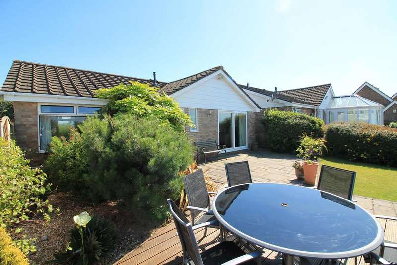2 Bedrooms Bungalow for sale in Admirals Walk, Portishead, North Somerset, BS20 6LE