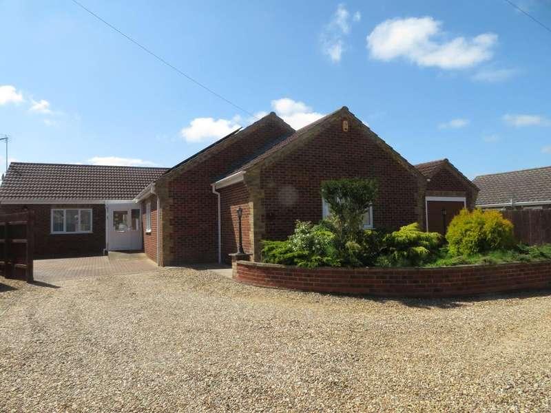 4 Bedrooms Detached Bungalow for sale in Stables Court, Leverington, Wisbech, Cambridgeshire, PE13 5BF