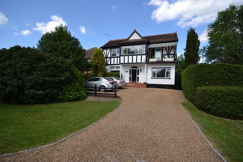 4 Bedrooms Detached House for sale in Thames Side, Laleham, Staines-Upon-Thames, TW18
