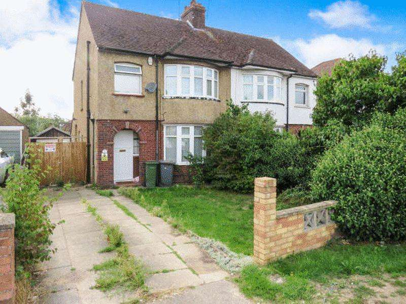 3 Bedrooms Semi Detached House for sale in Barton Road, Luton