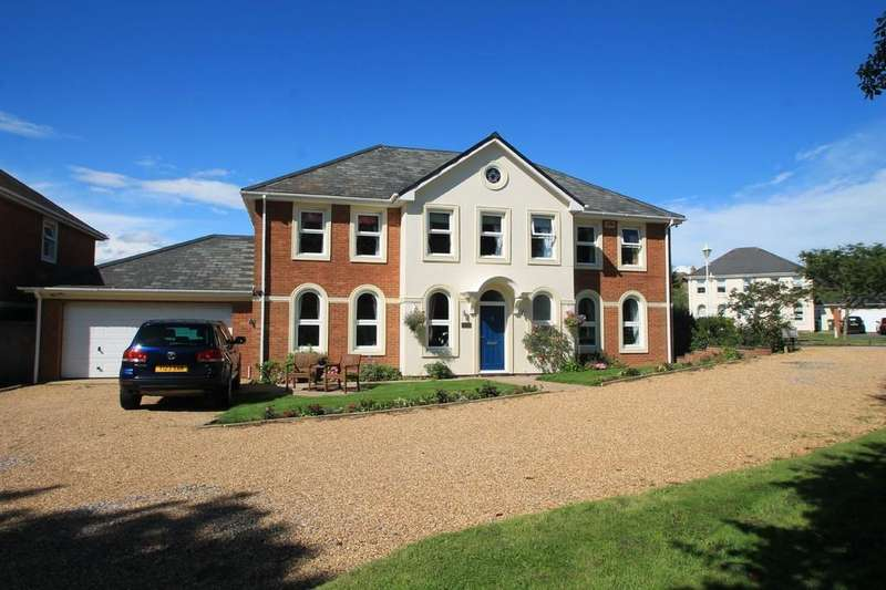 5 Bedrooms Detached House for sale in Watermead, Aylesbury