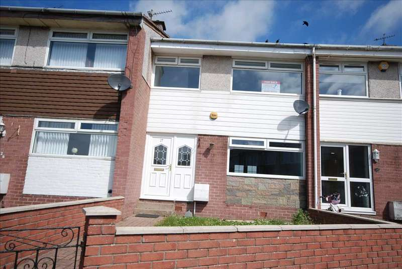 3 Bedrooms Terraced House for sale in Mayfield Crescent, Stevenston