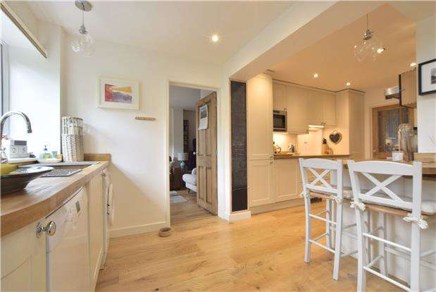 3 Bedrooms Semi Detached House for sale in Chase Avenue, Charlton Kings, CHELTENHAM, Gloucestershire, GL52