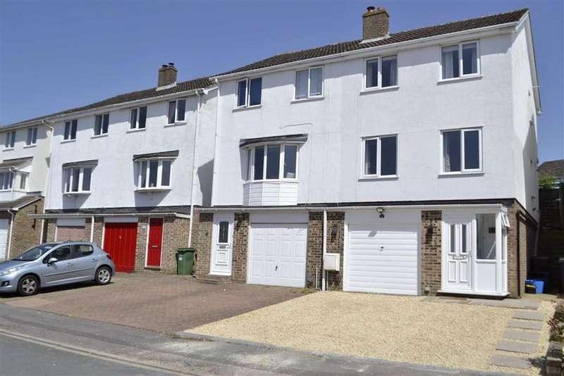 3 Bedrooms Semi Detached House for sale in Pine Ridge, Newbury, Berkshire, RG14