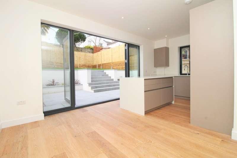 4 Bedrooms Detached House for sale in Tivoli Road, Brighton, BN1 5BG