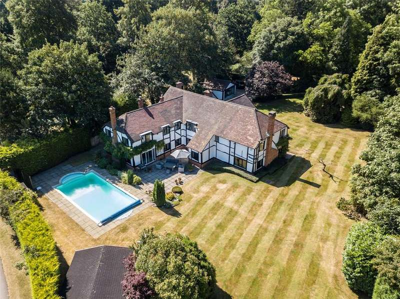 4 Bedrooms Detached House for sale in Henley Road, Stubbings, Maidenhead, Berkshire, SL6