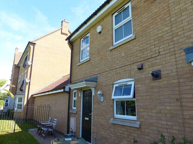 3 Bedrooms Semi Detached House for sale in Lyvelly Gardens, Peterborough, Cambridgeshire. PE1 5RX