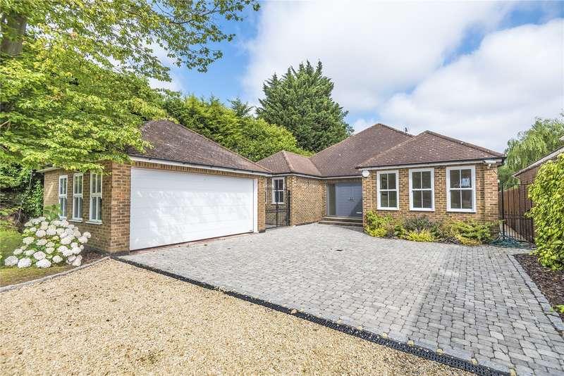 3 Bedrooms Detached Bungalow for sale in The Drive, Ickenham, Uxbridge, Middlesex, UB10