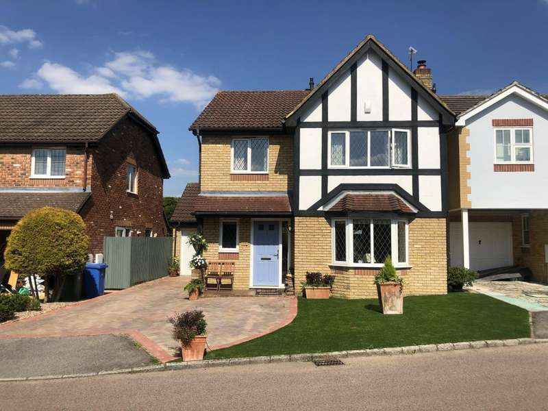 4 Bedrooms Detached House for sale in Winkfield, Berkshire, RG42
