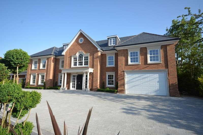 7 Bedrooms Detached House for sale in Burntwood Avenue, Emerson Park, Hornchurch RM11