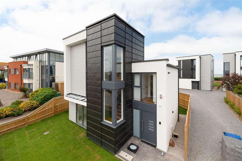 4 Bedrooms Detached House for sale in Reculver Road, Beltinge, Herne Bay