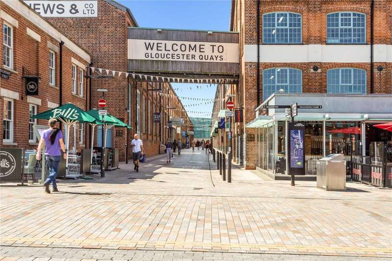 2 Bedrooms Flat for sale in Mariners Quay, West Quay, The Docks, Gloucester, GL1