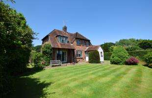 3 Bedrooms Detached House for sale in Mill Lane, Hellingly, Hailsham, East Sussex