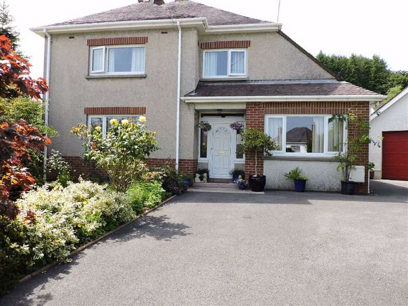4 Bedrooms Detached House for sale in Mostyn Avenue, Carmarthen
