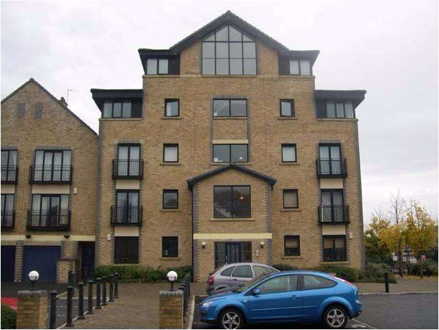 2 Bedrooms Apartment Flat for rent in South Ferry Quay, Liverpool City Centre
