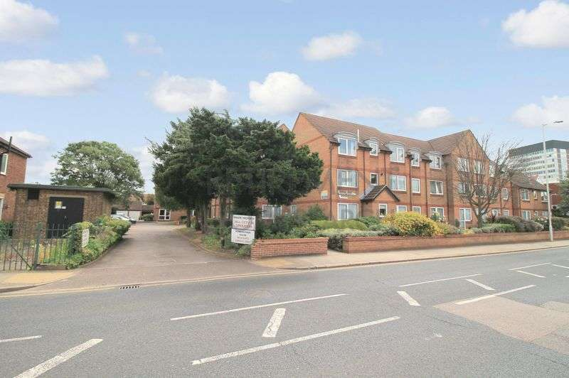 1 Bedroom Property for sale in Homeheather House, Ilford, IG4 5EF