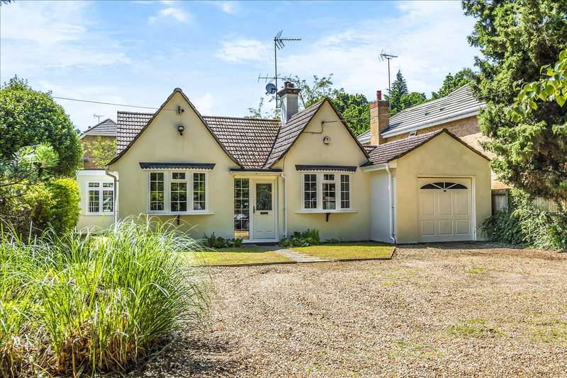 3 Bedrooms Detached Bungalow for sale in Three Birches, Nine Mile Ride, Wokingham