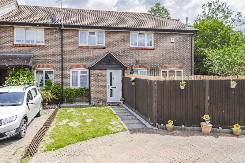 2 Bedrooms Terraced House for sale in Cordelia Croft, Warfield, Berkshire, RG42