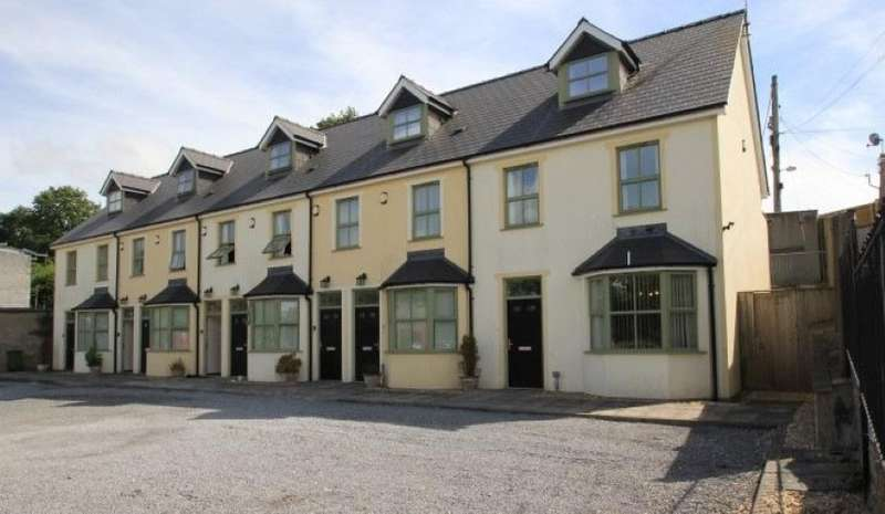 15 Bedrooms Terraced House for sale in 1-8 Primrose Cottages, Commons Road, Pembroke, Dyfed, SA71 4EB