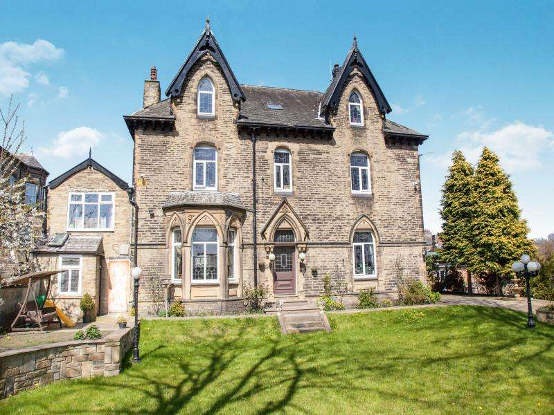 6 Bedrooms House for sale in Savile Road, Halifax, West Yorkshire, HX1