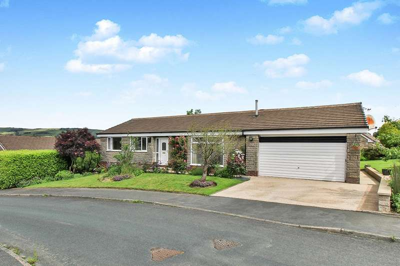 3 Bedrooms Detached Bungalow for sale in Harvelin Park, Todmorden, Lancashire, OL14
